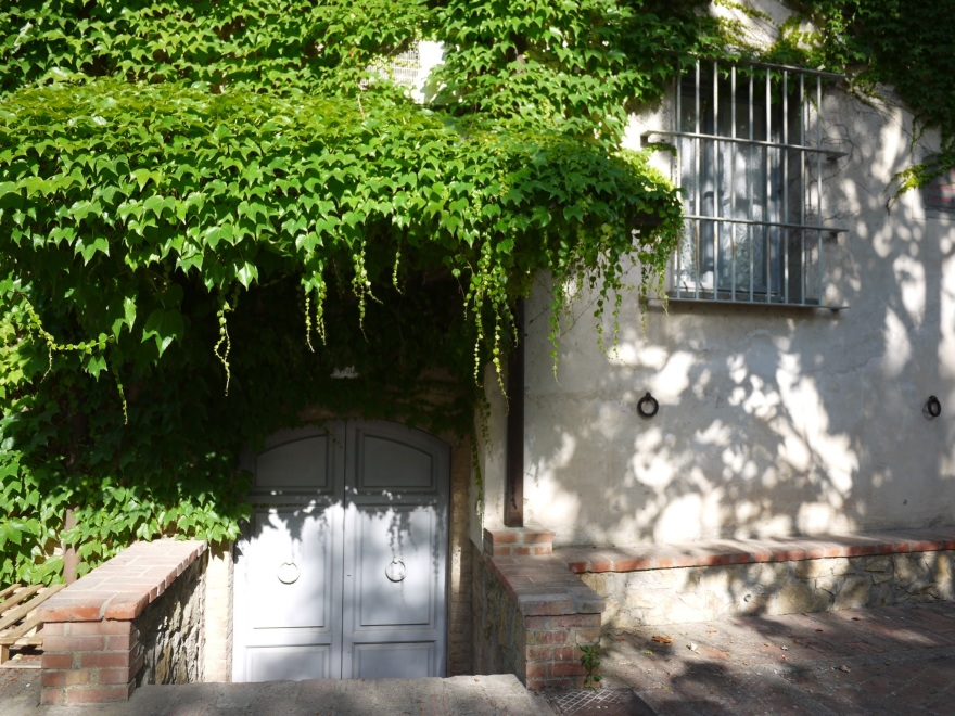 gallery_entrance